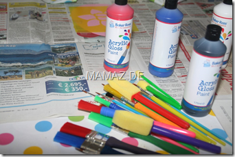 Pinsel und Acrylfarben