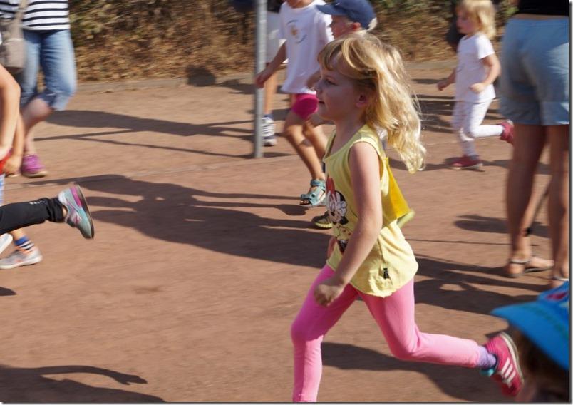 Hanna joggt