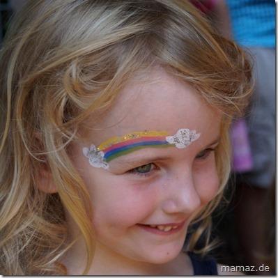 Regenbogen Gesicht schminken