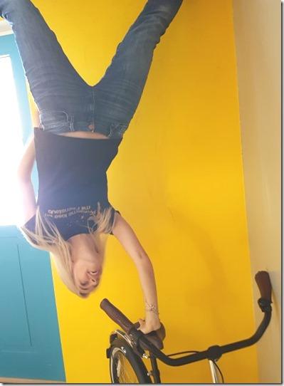 Toppels verdrehtes Haus Wertheim Handstand